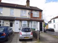 Cottage to rent in Loates Lane, WATFORD...