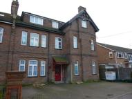 Flat to rent in Park Road, WATFORD...