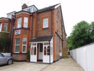 Flat to rent in Rosslyn Road, WATFORD...