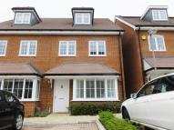 3 bedroom semi detached house to rent in Diamond Jubilee Way...