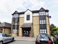 Studio apartment in Foxglove Way, Wallington...