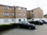 Mullards Close Flat to rent