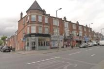 2 bedroom Flat to rent in Friern Barnet Road...