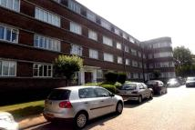 Flat to rent in Hampstead Garden Suburb...