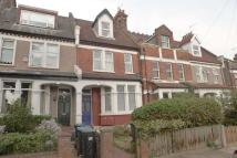 2 bed Flat in The Limes Avenue...