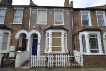 3 bed property in Littlewood, Hither Green...
