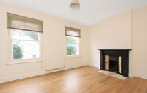 2 bed Maisonette to rent in Manor Lane, Lee, SE12
