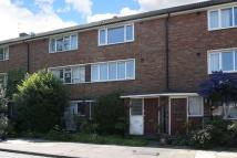 Maisonette for sale in Courtlands Avenue, Lee...