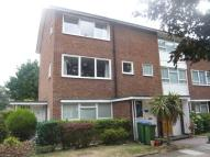 2 bed Maisonette to rent in Courtlands Avenue, Lee...