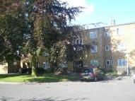 Flat to rent in Enfield Close, Uxbridge