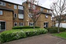 1 bed Ground Flat in Newcombe Rise, Yiewsley