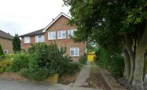 semi detached house to rent in Norfolk Road, Uxbridge