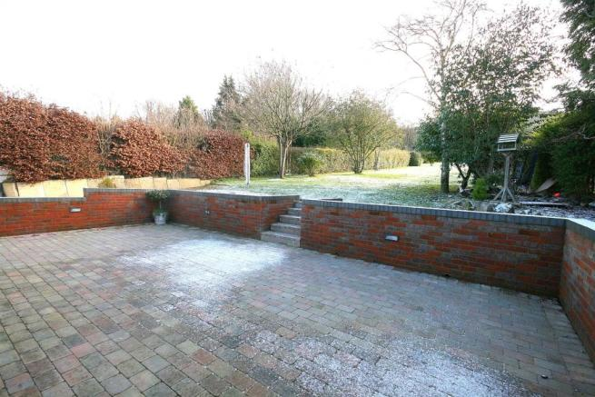 Winter Patio & Rear Garden