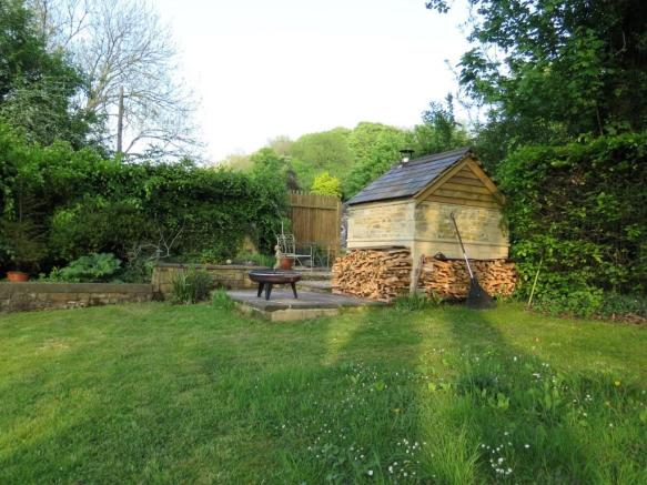 Avoncliff Ancliff Square Garden Woodstore by Pritchards Bath