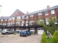 property to rent in HUNTINGTON CRESCENT...