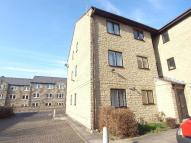 2 bed Flat in KERRY COURT, HORSFORTH...