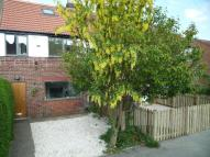 3 bed semi detached house in SUSSEX AVENUE, HORSFORTH...