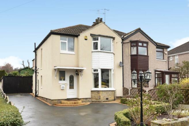 Bedroom Property For Sale In Calverley