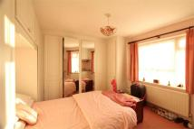 Flat in Northolt, Greater London