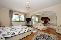 8 bedroom Detached home in Roedean Crescent, LONDON