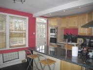 Apartment to rent in Haldon Road, London,