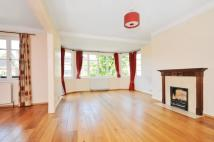 3 bed Flat in Putney Heath Lane...