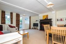 2 bed property in Melrose Road, London