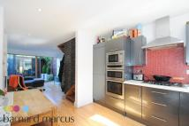 2 bedroom property to rent in Atney Road, Putney