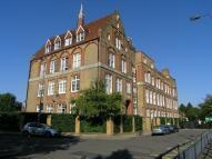 Flat in Shillington Old School...