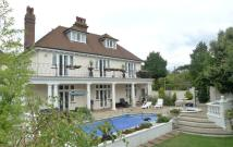 6 bed Detached home in Summerdown Road...