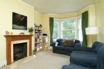 3 bedroom Flat to rent in Poynders Road, Clapham...