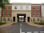 Apartment to rent in Royal Mews, Station Road...