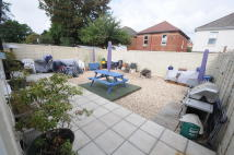 2 bed Flat for sale in Charminster