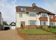 4 bedroom semi detached house in Park View Road, Hove