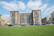 Flat for sale in Kingsway Court...