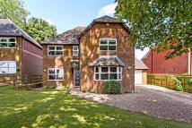 4 bed Detached house in Lower Road...