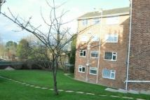 Ground Flat in Runnymede, West End...
