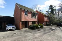 3 bedroom Detached home in Ifield