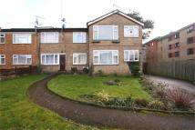 2 bed Flat in Holden Road...