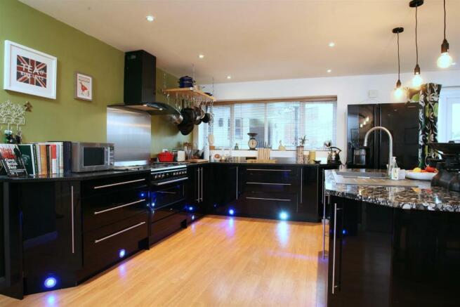 Stylish Kitchen fitt