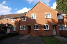3 bed house in Swallows Croft, Reading...
