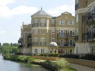 Regents Riverside Apartment to rent
