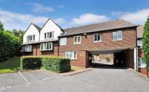 Ground Flat to rent in Sherborne Court...