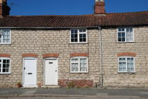 Cottage in TOWN STREET, Old Malton...