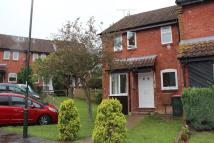 End of Terrace property to rent in OAKAPPLE CLOSE, Crawley...