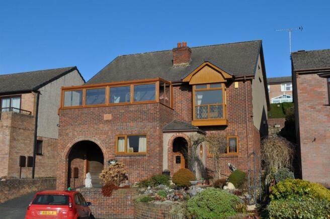 6 Brooklands Grange