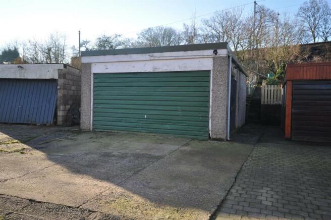 Garage with Gardens