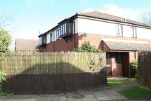 2 bed property in Forest Road, Hartwell...