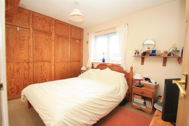 5 Stratton Mews bed