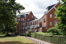 Maisonette for sale in Sovereigns Quay, Bedford...